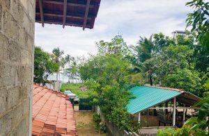 house-with-splendorous-ocean-views-001