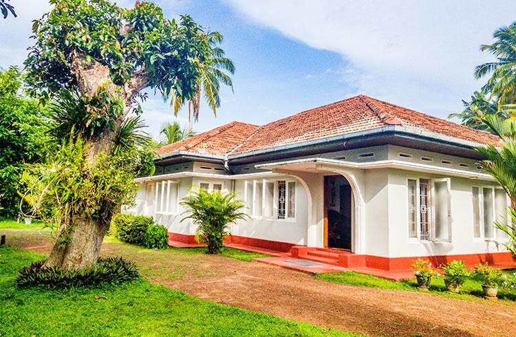 striking-art-deco-style-house-001